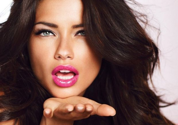 Замаскувати або зовсім прибрати алкогольний запах з рота досить важко. Якщо спочатку з рота з'являється запах спирту, то на ранок це, як правило, неви
