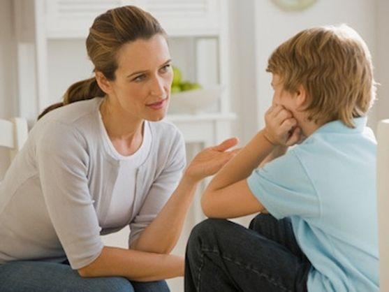 На жаль, не всі батьки розуміють, що деякими словами, вони можуть нашкодити майбутньому своєї дитини. Ми розповімо вам , що не потрібно говорити свої