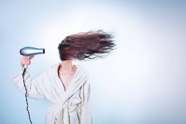 Розкішне, довге, здорове та блискуче волосся - це запорука гарного зовнішнього вигляду, тому важливо знати як привести його у порядок без зайвої шкоди