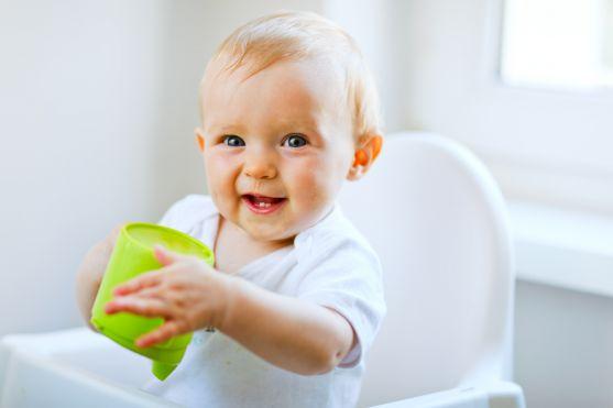 Всі ми хочемо купувати для наших малюків тільки найкорисніші продукти. Та часто забуваємо найелементарніше: дивитися на склад дитячого харчування.