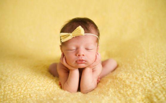 У жінок, які виношують небажану дитину, частіше народжуються діти з пониженою масою тіла.