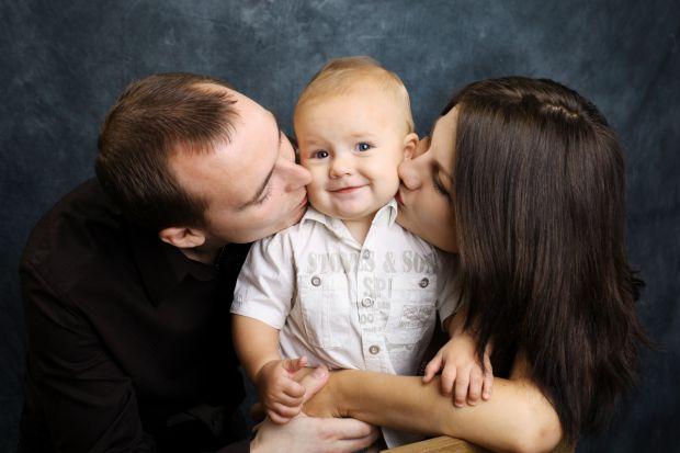 """Результат пошуку зображень за запитом """"родинах  одна дитина"""""""