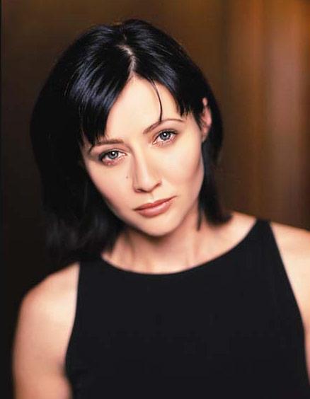 Відома акторка, Шеннен Догерті, яка прославилася, знявшись у серіалах