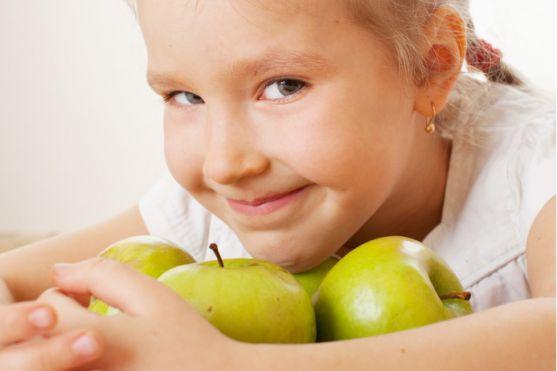 Діти часто бувають жадібними та егоїстичними. І цим нікого не здивувати. Часто це така психологічна реакція на те, що малюкові просто не вистачає уваг