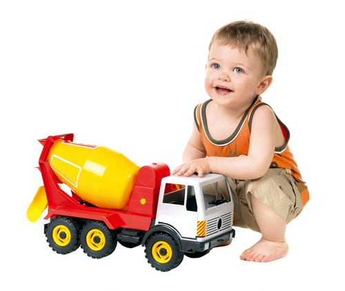 smiling_little_boy_plays_with_toy_car_2.jpg (137.66 Kb)