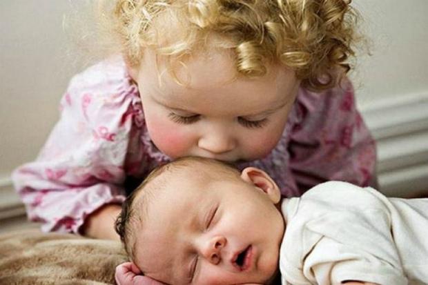 Особливості поведінки молодшого малюка та концепція поведінки батьків вже у нашому матеріалі! Повідомляє сайт Наша мама.