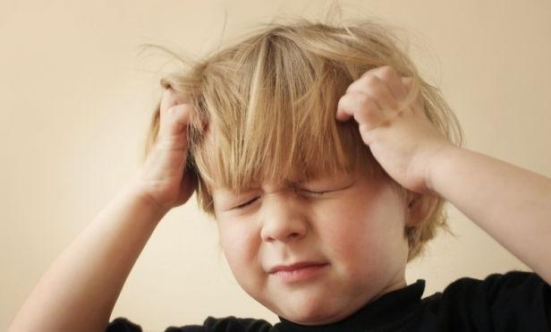 Дітлахи рідко коли сидять на одному місці непорушно, тому чи варто й дивуватися, що можливі не лише синці але й струс мозку? Повідомляє сайт Наша мама