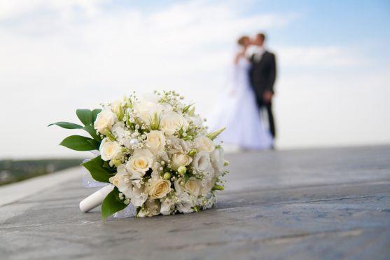 Весілля - найважливіший день у житті будь-якої людини. Із ним пов'язано не тільки багато моральних та матеріальних переживань, але й різноманітні прик