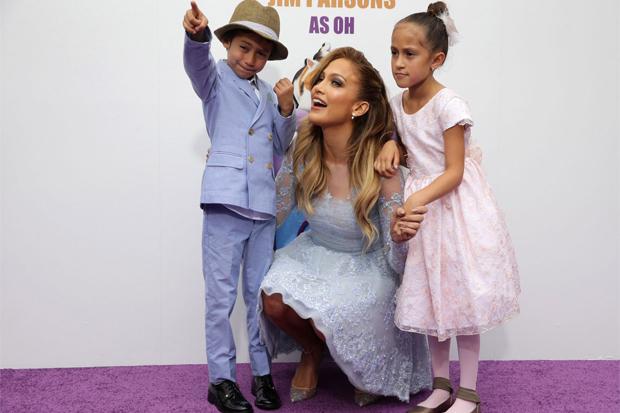Мімімі дня: Дженніфер Лопес з дітьми в Маямі (ФОТО)