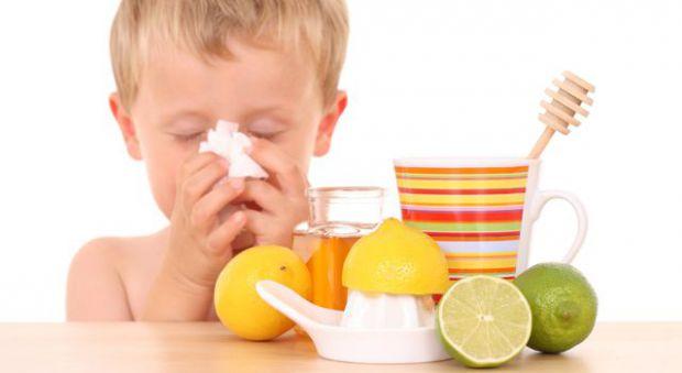 Однією з найпоширеніших причин літньої застуди є різкі перепади температури, наприклад, ви перегріватися на сонці, а потім відразу ж намагаєтеся охоло