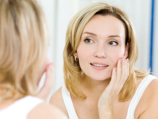 Проблема епіляції на обличчі дуже поширена, адже жінки мріють виглядати ідеально. Міф про те, що епіляцію на обличчі проводити не можна, вже давно роз