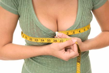 Вправи для зміцнення м'язів грудей і трицепсів.