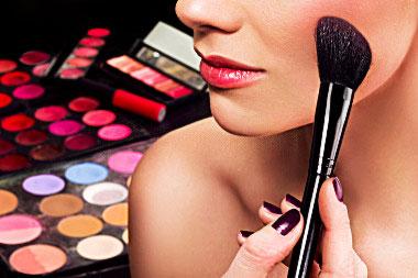 Кілька порад, як можна зробити святковий make-up.