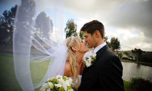 Якщо ви в стосунках вже досить давно, то волею-неволею замислюєтеся про заміжжя. І, напевно, думаєте, що ваш чоловік теж. Але для чоловіка панують інш