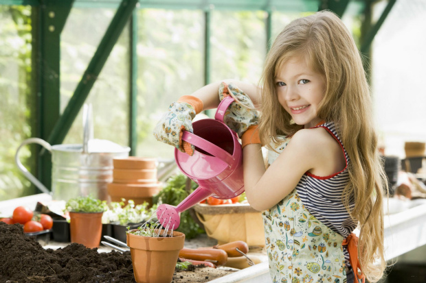 Ось які справи можна довірити дитині у різному віці. Повідомляє сайт Наша мама.