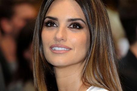 Голлівудські стилісти визнали волосся цих зірок здоровим і сексуальним. За опитуваннями проведеними серед чоловіків, саме ці представниці прекрасної с
