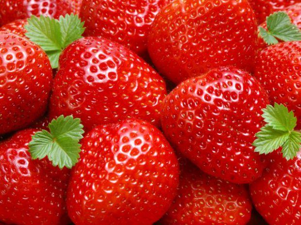 Дослідники в Великобританії переконують, що сексуальність можуть підвищити звичайні ягоди полуниці і малини. Виявляється, що в їх насінні дуже багато