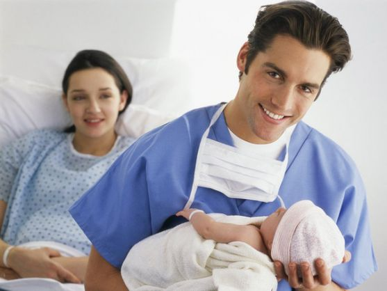 Що найбільше лякає вагітну жінку, окрім страху за майбутнє її малюка? Це, звісно, ж пологи. Майбутні мами бояться болю, особливо, коли народжують впер