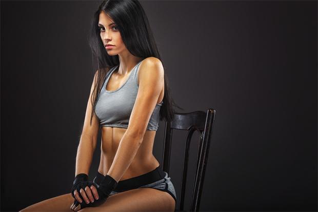 Щоб виконати наступні вправи, тобі потрібен лише стілець і 10 хвилин вільного часу.