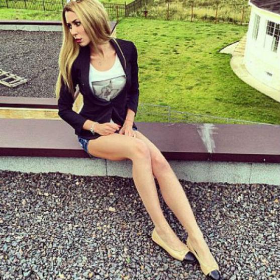 Анна Стрюкова продовжує сидіти на дієті і виглядає хворобливо худою.
